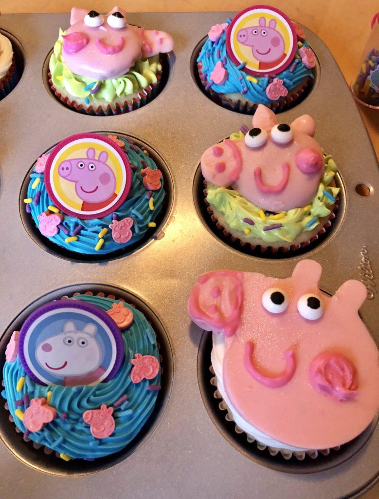 Stupendous Simple Peppa Pig Cupcakes Neverdonewithfun Birthday Cards Printable Inklcafe Filternl