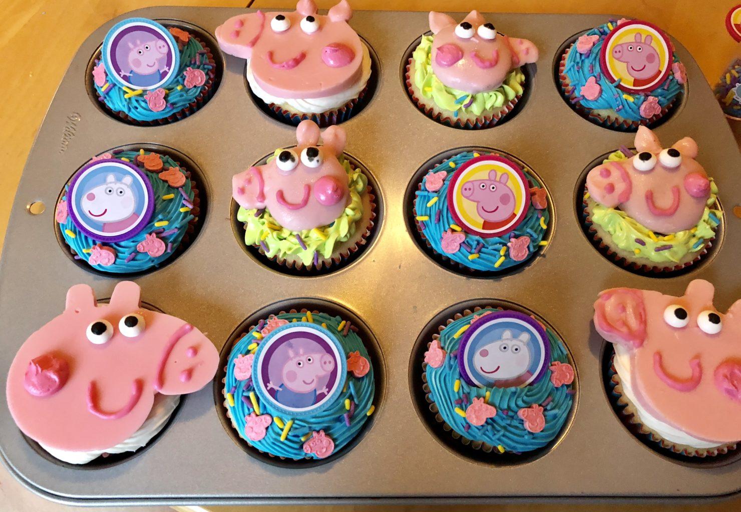 Peachy Simple Peppa Pig Cupcakes Neverdonewithfun Birthday Cards Printable Inklcafe Filternl