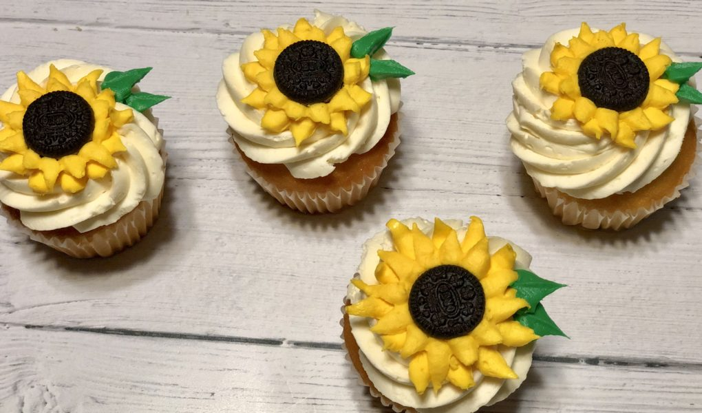 Buttercream Oreo Sunflowers For Cupcakes And Cakes